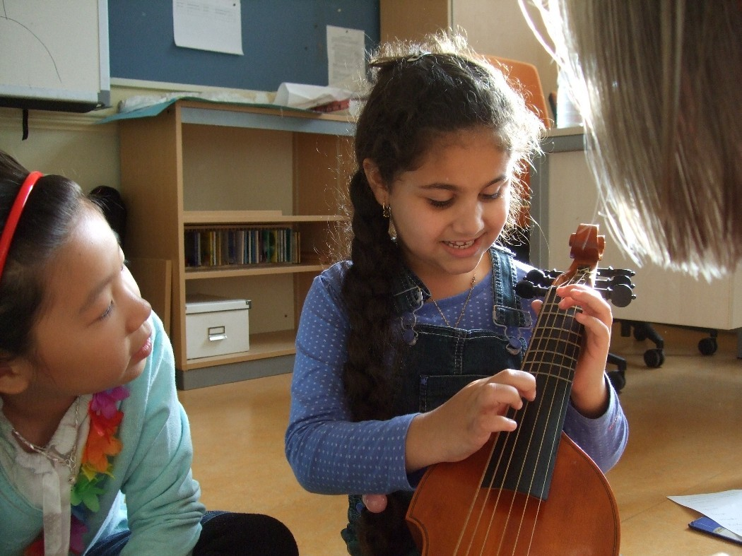 photo from Rawan and Youran on the viola da gamba