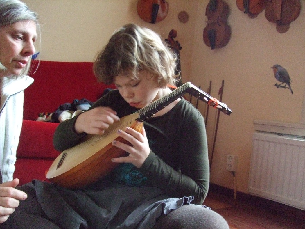 photo from Roos with the small lute