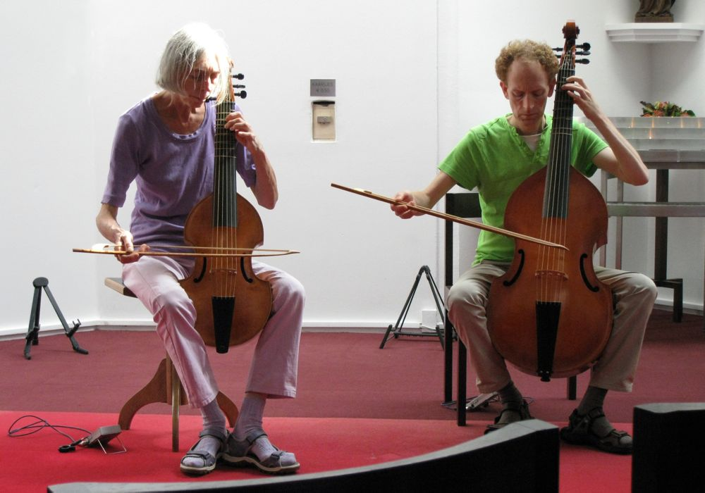 photo stiltecentrum (silence center) Hoog Catharijne Utrecht 5 september 2013, viola da gamba, Jeannette, Erik